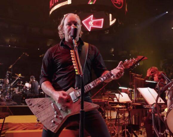 Metallica-Moth-Into-Flame-SM2